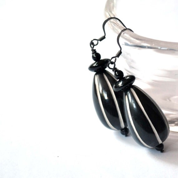 https://www.etsy.com/listing/169141569/black-and-white-striped-earrings-large
