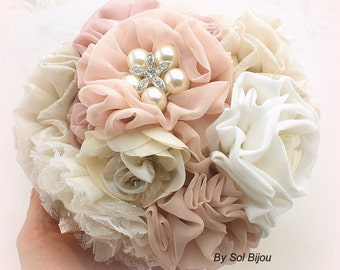 Bridesmaids Bouquets, Brooch Bouquet, Tan, Beige, Champagne, Blush, Dusty Rose, Ivory, Vintage Style, Maid of Honor, Lace, Crystals, Pearls