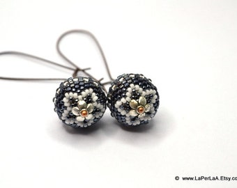 Beaded beads earrings - BLACK with WHITE STAR  - Globe Beaded Earrings on elongated kidney earwire