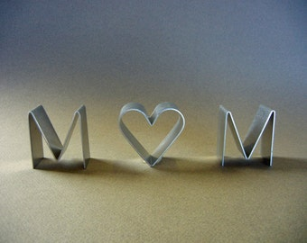 Minimalist Mom! Mother's day letters-MOM with heart shape on sale FREE SHIPPING!