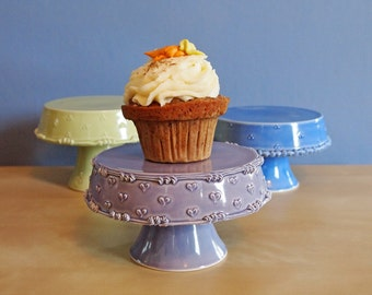 "5"" cupcake stand in spring pea green with tri-dot"
