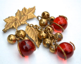 Vintage Red Glass Grape Style Pin Brooch