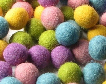 60 Hand-felted Wool Felt Balls 2CM Spring Easter Mix Handbehg Felts Fiber Crafts