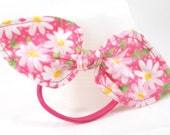 Ponytail Bow Bright Pink w/ White Daisies Ponytail Holder Hair Tie Bow Ponytail Bow Cute Hair Accessories Simple Hair Bow Small Gift Ideas