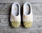On sale grey felted wool slippers green yellow home shoes yellow polka dots green woolen clogs winter sale Christmas gift - Ready to ship
