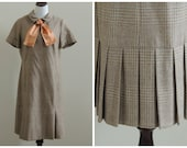 Vintage 1960s dress / 60s dress / wool plaid secretary dress / 38 waist / extra large