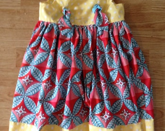 Knot style dress in size 3 rts ...  Great for Spring into Summer .