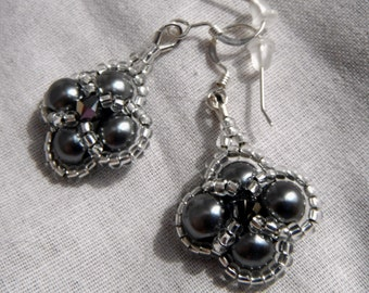 Cloverleaf Pearl Earrings - Smokey Grey Pearl and Silver Bridal