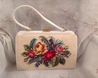 Vintage 50s Embrodiary Floral Design Old Fashion Pocketbook Traditional Handbag