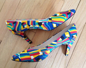 Vintage heels / 1980s abstract pumps / Primary Colors pumps