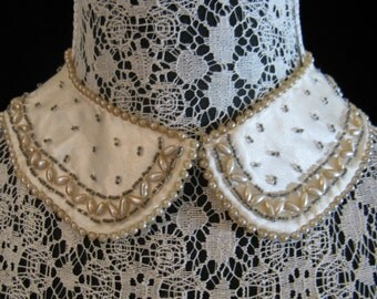 Vintage 50s Hand-Beaded Ivory Satin Detachable Collar