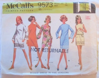 vintage McCALLS 9573 sewing pattern-- MISSES DRESS in 5 Versions (size 12)--1968