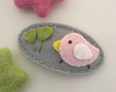 Felt hair clip -No slip -Wool felt -Pale pink bird and sprouts -grey
