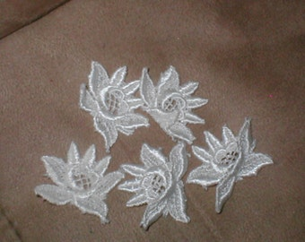 lot of 5 Vintage ivory Venice Lace Appliques