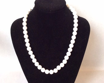 Mid century milky white necklace gold clasp white beaded necklace