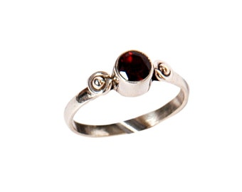 Garnet ring ,925 STERLING SILVER,January birthstone, OXblood, Deep Red Garnet ring,band ring by TANEESI