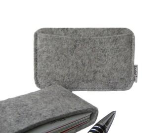 Wool felt  business card holder- minimalist  wallet. Handmade in Switzerland-grey -eco friendly-Great little gift