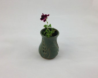 Green Wheat Bud Vase Handmade Pottery by Daisy Friesen