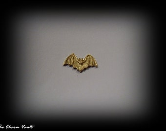 CLOSEOUT SALE 6 Mini Tiny Bats Steam Punk Gothic Pendants Stamping Embellishment  Brass Charms Stamping Jewelry Findings (A-173)