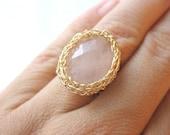 Rose Quartz Ring, Oval Ring, Gemstone Ring, Pink Gemstone Ring, Statement Ring, Cocktail Ring, Wide Band Ring, Goldfilled Ring, Wire Ring