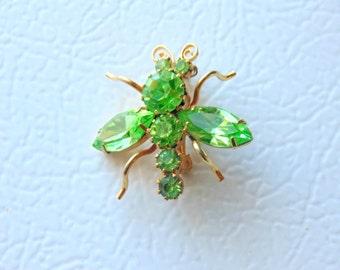Green Peridot RHINESTONE BUG Winged Insect Pin Brooch vintage 1950s