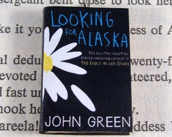 an analysis of the novel looking for alaska by john green Title of work and its form: looking for alaska, novel author: john green (on  twitter @realjohngreen) date of work: 2005 where the work can.