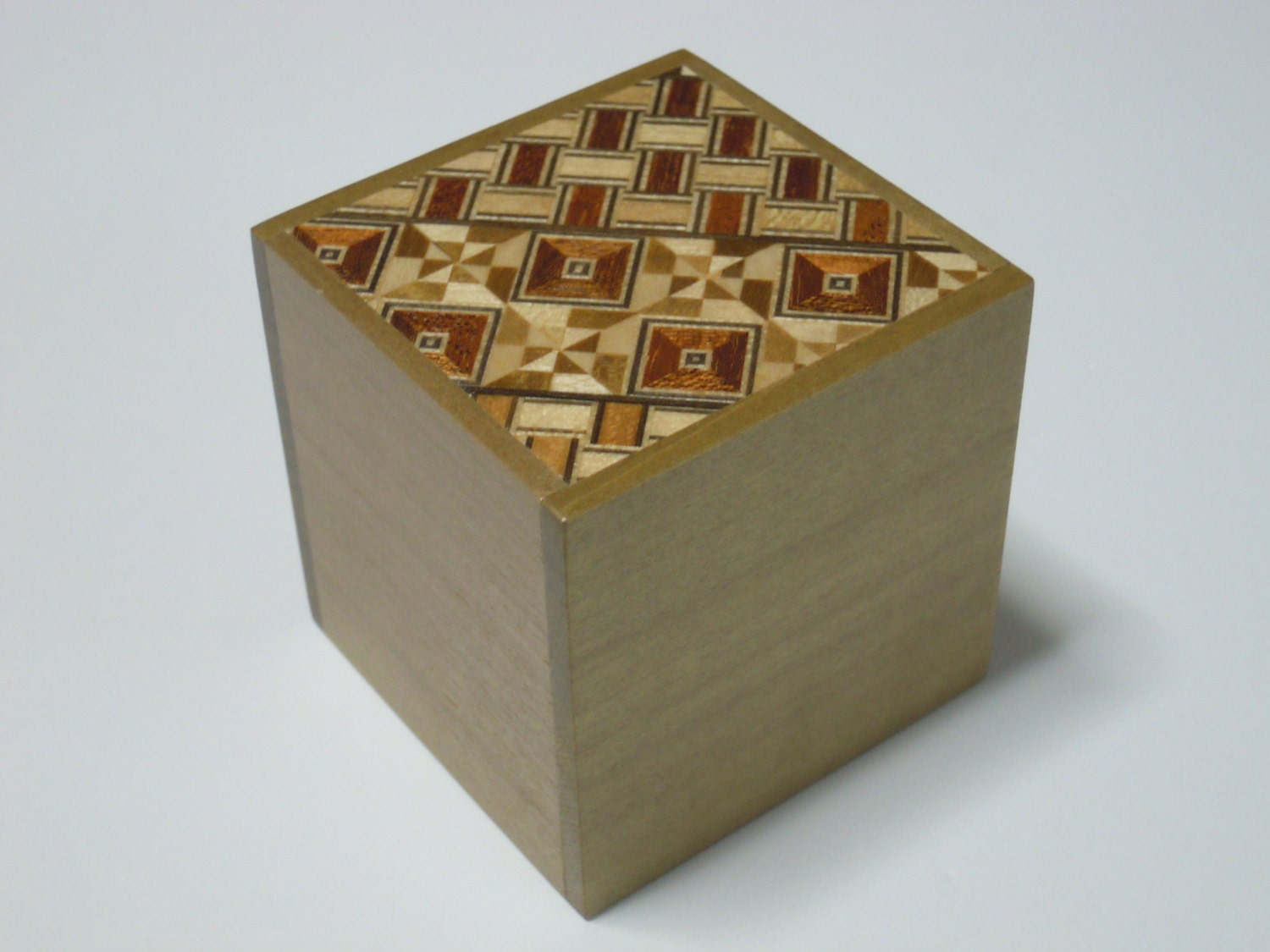 how to open a japanese puzzle box