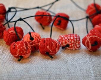 chirimen hanamaru necklace red