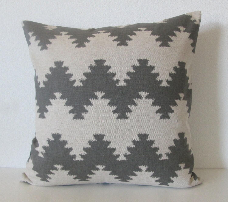 west elm ikat zig zag 20x20 gray linen decorative pillow cover. Black Bedroom Furniture Sets. Home Design Ideas
