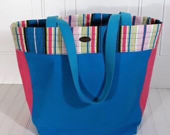 Teal beach bag // travel bag // pink stripes // inside pockets // long straps