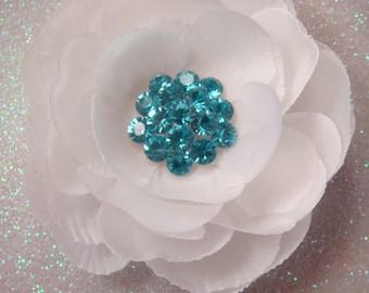 WHITE FLOWER bridal hair clip with TIFFANY blue rhinestone centerpiece / tiffany blue headpiece