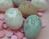 Made To Order: Victorian Lace Valentine Egg - Heart Wreath