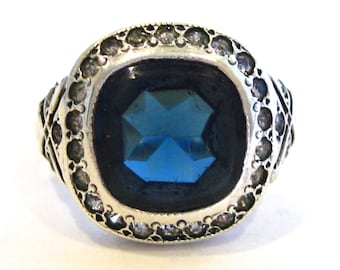 Vintage Ring Sterling Silver Jeweled Blue Sapphire Rhinestone Cocktail Ring size 6