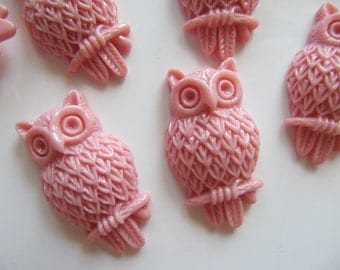 4 Resin Owl CABS in Mauve Pink, Flat Back, Glue On, 31mm x 18mm