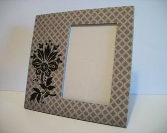 Grey Picture Frame Black Flower Grey Gray Lattice Pattern