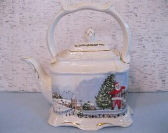 Vintage Christmas Tea Pot / Crown Dorset Staffordshire Ceramics