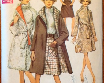 Simplicity Pattern 8503 Misses' skirt and reversible coat size 18 bust 40 Pattern (P163)