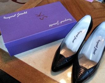 Vintage Margaret Jerrold Black Leather Pumps Heels Size 8.5 B Made in Spain Ladies 1980s