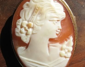 On Sale!! VICTORIAN Shell CAMEO Set In 18K Y G Pendant & Brooch Darling
