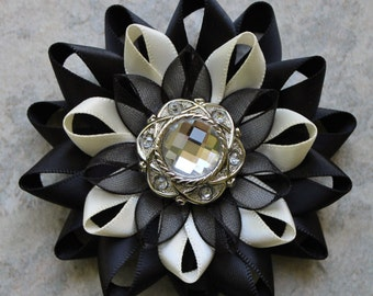 Black Corsage, Black and Ivory Flower Pin, Black and Ivory Corsage, Ivory and Black Wedding, Black Flower Pin, Ivory and Black Corsage Pin