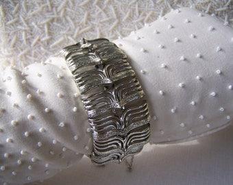 Vintage Coro Silver Chunky Bracelet, Vintage Coro Pegasus Bracelet, Estate Jewelry, 1950s fashion jewelry
