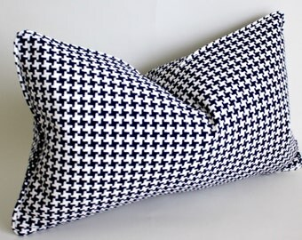 Free shipping, 12x20 Navy and White Houndstooth Pillow Cover