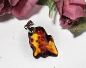 Elegant pendant of natural genuine Baltic amber./ 100% Natural Genuine Baltic Amber.
