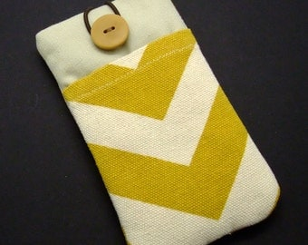 R5 iPhone sleeve, iPhone pouch, Samsung Galaxy S3, S4, Galaxy note, cell phone, ipod classic touch sleeve -Mustard chevron
