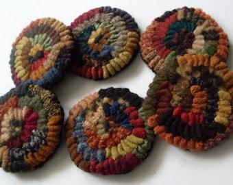 PrimiTive FolkArt 6 Penny Hit or Miss HooKed Rug Ornaments