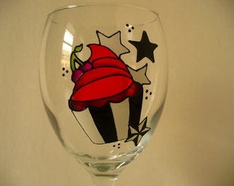 Hand painted wine glass: Cupcake design