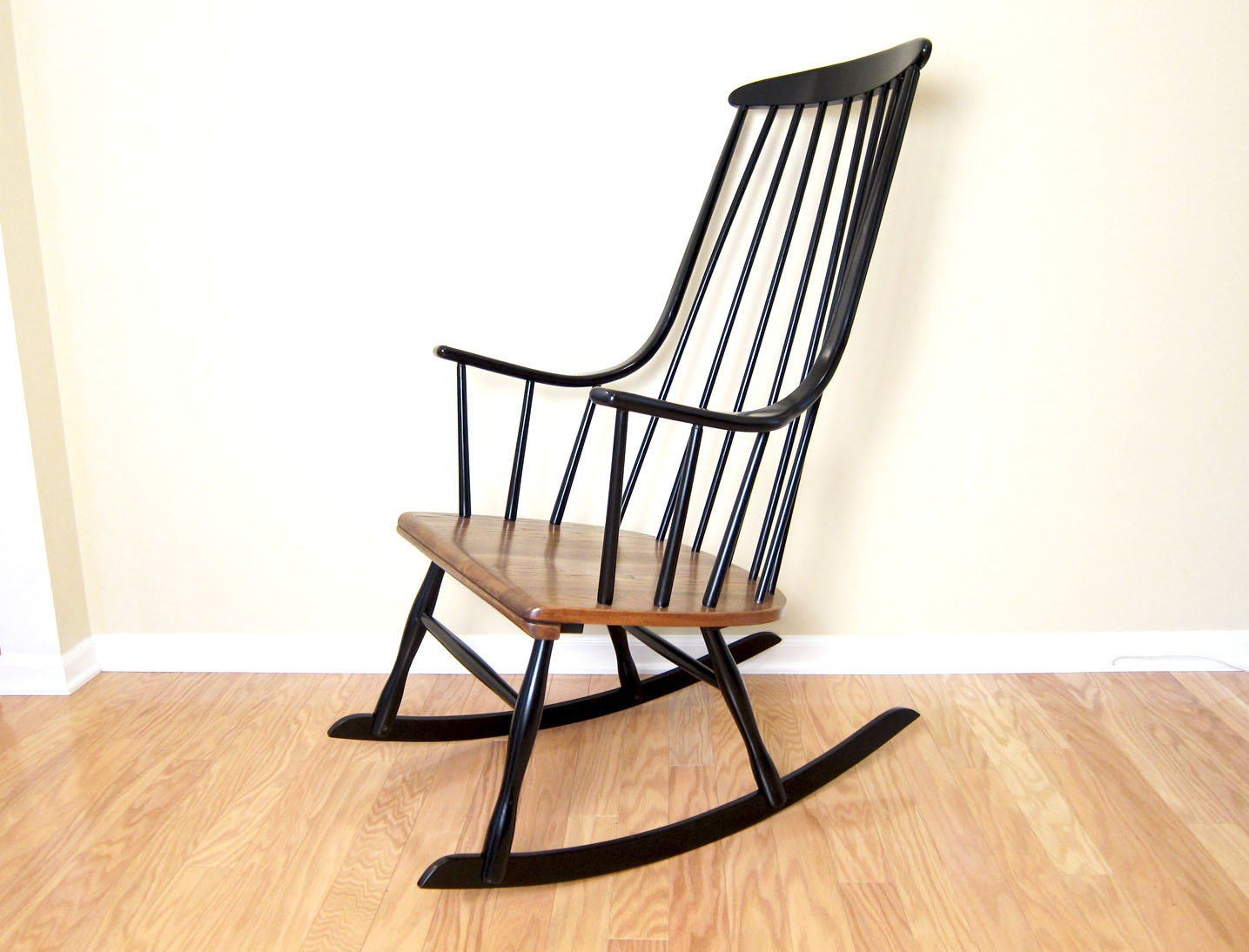 Lena Larsson Grandessa Rocking Lounge Chair Ilmari