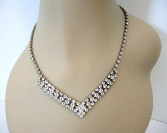 Vintage Lind Clear Rhinestone Necklace - Silver Plated