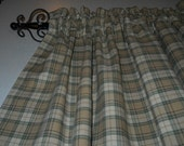 Country green plaid valance
