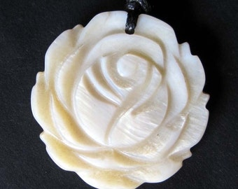 Luster Ivory Sea Shell Carved Floral Flower Pendant Bead Charm 30mm x 28mm  T2263
